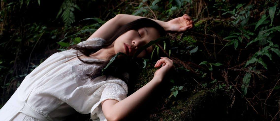 women with sleep paralysis