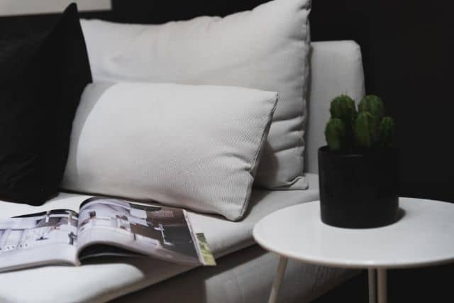 comfy-pillows-black-and-white